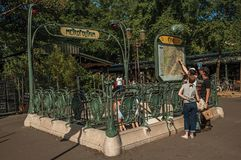Detalle de la entrada del subterráneo del estilo de Nouveau en París foto de archivo libre de regalías