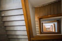 Detalle de la escalera espiral Fotos de archivo