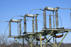 Detalle de la estación de retransmisión eléctrica fotos de archivo