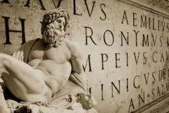 Papel pintado romano foto de archivo libre de regalías