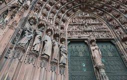 Detalle de la fachada de la catedral de Estrasburgo Imagen de archivo libre de regalías