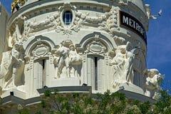 Detalle de la fachada del edificio de la metrópoli, Madrid foto de archivo