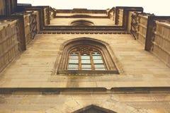Detalle de la fachada gótica de la iglesia Foto de archivo libre de regalías