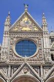 Detalle de la fachada de Siena Cathedral en Siena, Italia Imagen de archivo libre de regalías