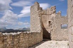 Detalle de la fortaleza del calascio del rocca, abruzzi Foto de archivo libre de regalías