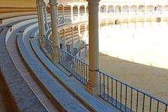Detalle de la foto de los asientos de la plaza de toros Fotografía de archivo