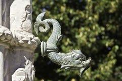 Detalle de la fuente del dragón verde Imagenes de archivo