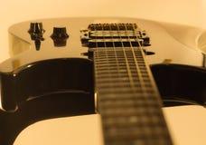 Detalle de la guitarra eléctrica Imagenes de archivo