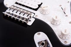 Detalle de la guitarra eléctrica foto de archivo