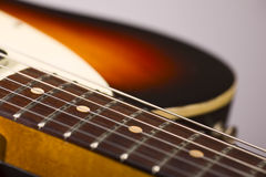 Detalle de la guitarra eléctrica Fotos de archivo
