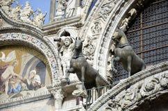 Detalle de la iglesia de Venecia St Mark imagen de archivo libre de regalías