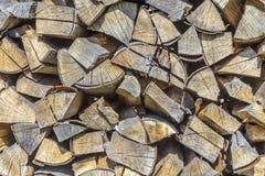 Detalle de la madera sujetada con grapa del fuego Fotos de archivo
