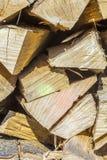 Detalle de la madera sujetada con grapa del fuego Foto de archivo libre de regalías