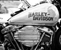 Detalle de la motocicleta Harley-Davidson (blanco y negro) Fotografía de archivo