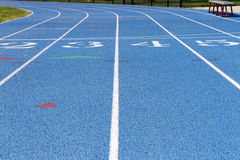 Detalle de la pista de la High School secundaria con números Fotografía de archivo