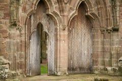 Detalle de la puerta de la abadía de Tintern Imagenes de archivo