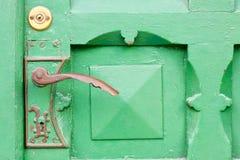 Detalle de la puerta de madera. fotos de archivo