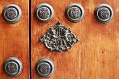 Detalle de la puerta de madera vieja fotos de archivo libres de regalías