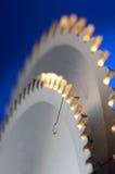 Detalle de la sierra industrial Imagen de archivo