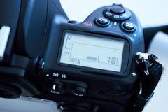 Detalle de la sola cámara refleja de DSLR Digitaces Imagenes de archivo