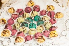 Detalle de la tabla dulce en partido de la boda o del evento Imagen de archivo libre de regalías