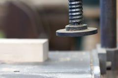 Detalle de la tirada en el taller de la carpintería - profundidad baja de Imagen de archivo libre de regalías
