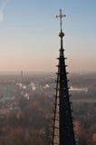Detalle de la torre de iglesia vieja Fotos de archivo