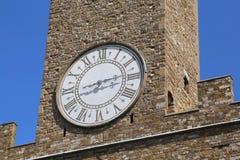 Detalle de la torre de reloj antigua del palacio viejo en Florence Italy Foto de archivo libre de regalías