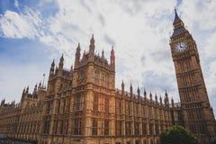 Detalle de la torre de reloj de Big Ben y del edificio de Westminster Fotografía de archivo