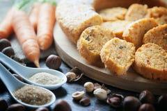 Detalle de la torta de zanahoria del vegano Fotos de archivo