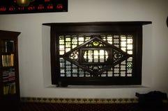 Detalle de la ventana en Masjid Kampung Hulu en Malaca, Malasia Fotos de archivo libres de regalías
