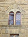 Detalle de la ventana Palazzo Vecchio en el cuadrado de Signoria de Florence Italy Imagen de archivo