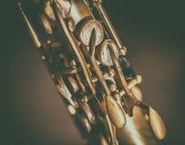 Detalle de las llaves del saxofón fotos de archivo libres de regalías