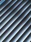 Detalle de las persianas diagonales blancas Imagen de archivo