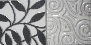 Detalle de las tejas tradicionales de la fachada de la casa vieja imagen de archivo
