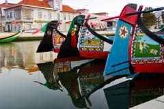 Detalle de los barcos tradicionales del moliceiro en Aveiro, Portugal Fotografía de archivo
