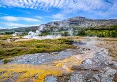 Detalle de los campos activos geotérmicos en el área de Geysir, Islandia Fotos de archivo libres de regalías