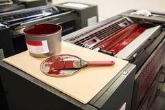 Detalle de rodillos en máquina de impresión en offset Fotos de archivo