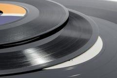 Detalle de surcos en los discos de vinilo de diversos tamaños Fotos de archivo