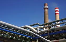 Detalle de tubos en fábrica química foto de archivo libre de regalías