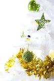 Detalle de un árbol de navidad adornado Fotografía de archivo libre de regalías