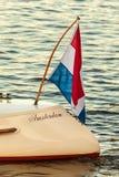 Detalle de un barco de canal clásico de Amsterdam durante puesta del sol Fotos de archivo