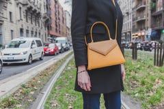 Detalle de un bolso fuera del edificio del desfile de moda de Gucci para la semana 2015 de la moda de Milan Men Imágenes de archivo libres de regalías