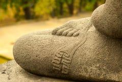 Detalle de un Buda en la posición de Lotus, pie en muslo Imágenes de archivo libres de regalías