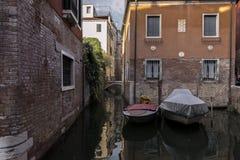 Detalle de un canal veneciano imagen de archivo libre de regalías