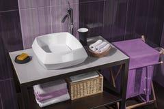 Detalle de un cuarto de baño moderno con el fregadero Imágenes de archivo libres de regalías