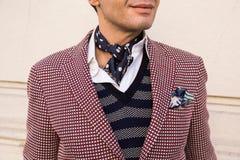 Detalle de un hombre de moda que presenta en la semana de la moda del ` s de Milan Men Fotos de archivo libres de regalías