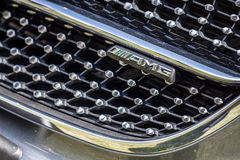 Detalle de una parrilla del cromo de Mercedes AMG Foto de archivo libre de regalías