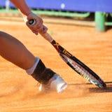 Detalle de una pierna del jugador de tenis Fotos de archivo libres de regalías