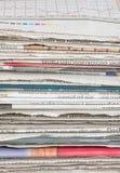 Detalle de una pila de periódico Imágenes de archivo libres de regalías